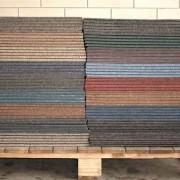Pallet met tapijttegels