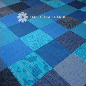 Deluxe boogie woogie tapijttegels in blauwtinten per 50 m2 bij Tapijttegelhandel.nl